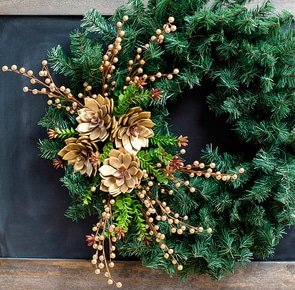 Diy holiday wreath succulents consumer crafts unleashed 1