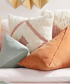 Vintage pink sofa muted velvet wedge pillows 26e9eddb