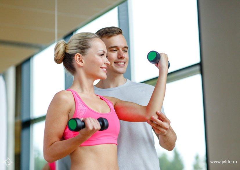 Совместные тренировки в тренажерном зале фото