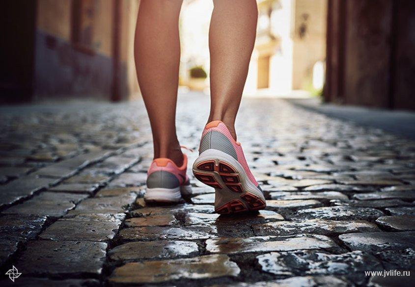 Удобная обувь для путешествий и прогулок