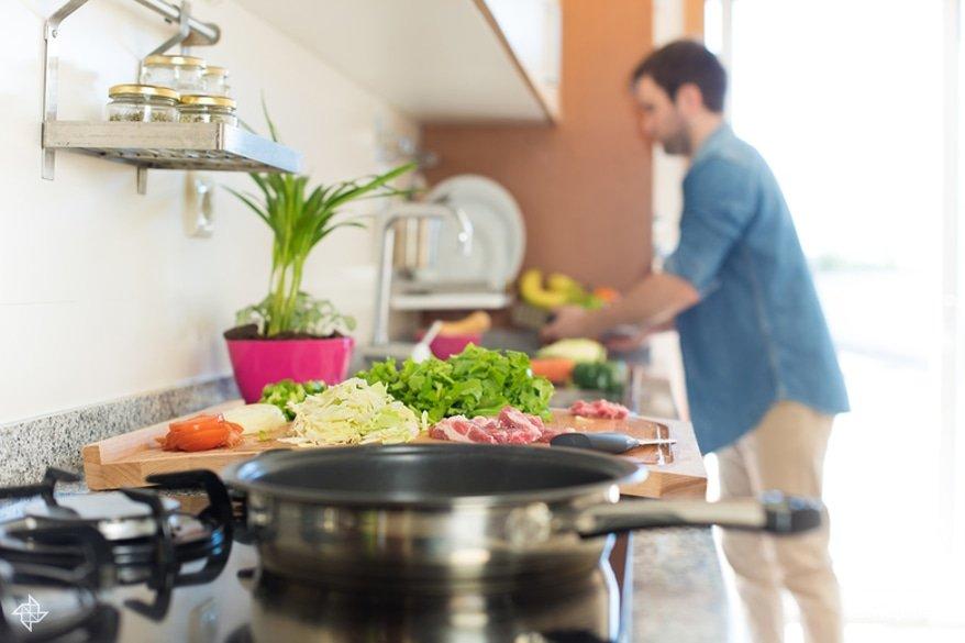 6492fab1c5f3 Следующий шаг при переходе на правильное питание — выбор полезных способов  приготовления продуктов. Не стоит верить сказкам сыроедов — термическая  обработка ...