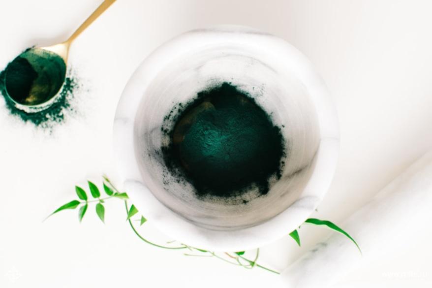 Ingredients spirulina honey face mask 683x1024