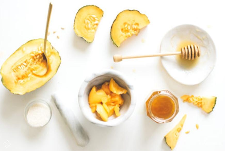 Ingredients honeyed melon sugar scrub 333x500