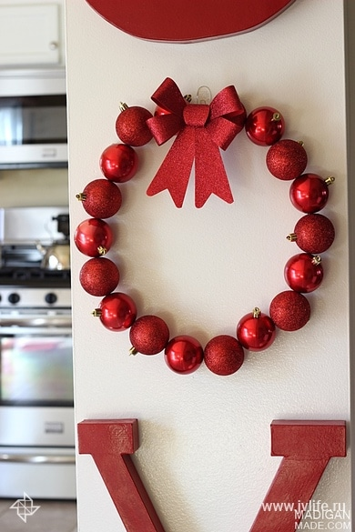 Simple diy ornament wreath 02