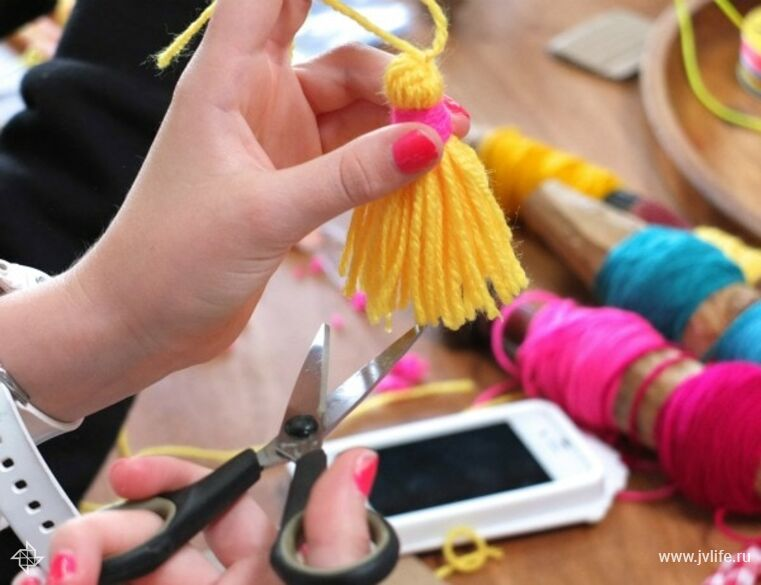 Tassle making