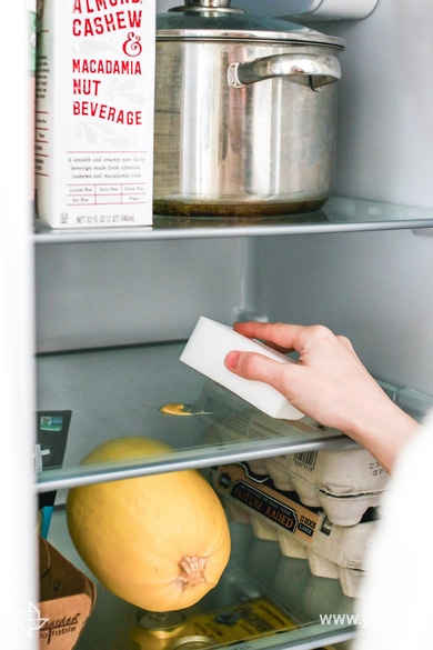 How to deep clean your refrigerator 4