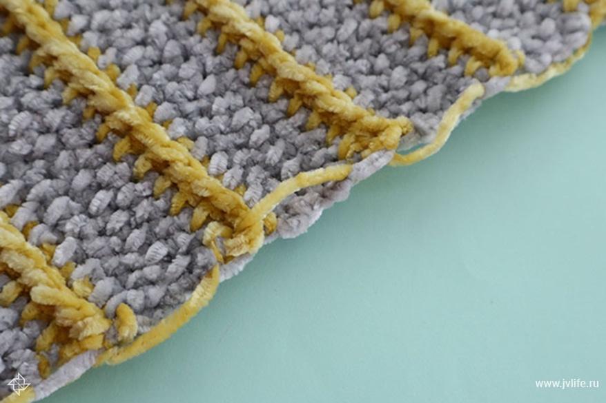 Bernat baby velvet blanket 3